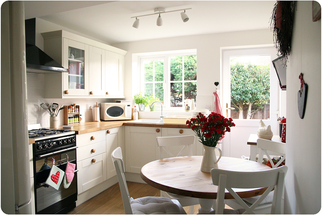 cosy cottage kitchen