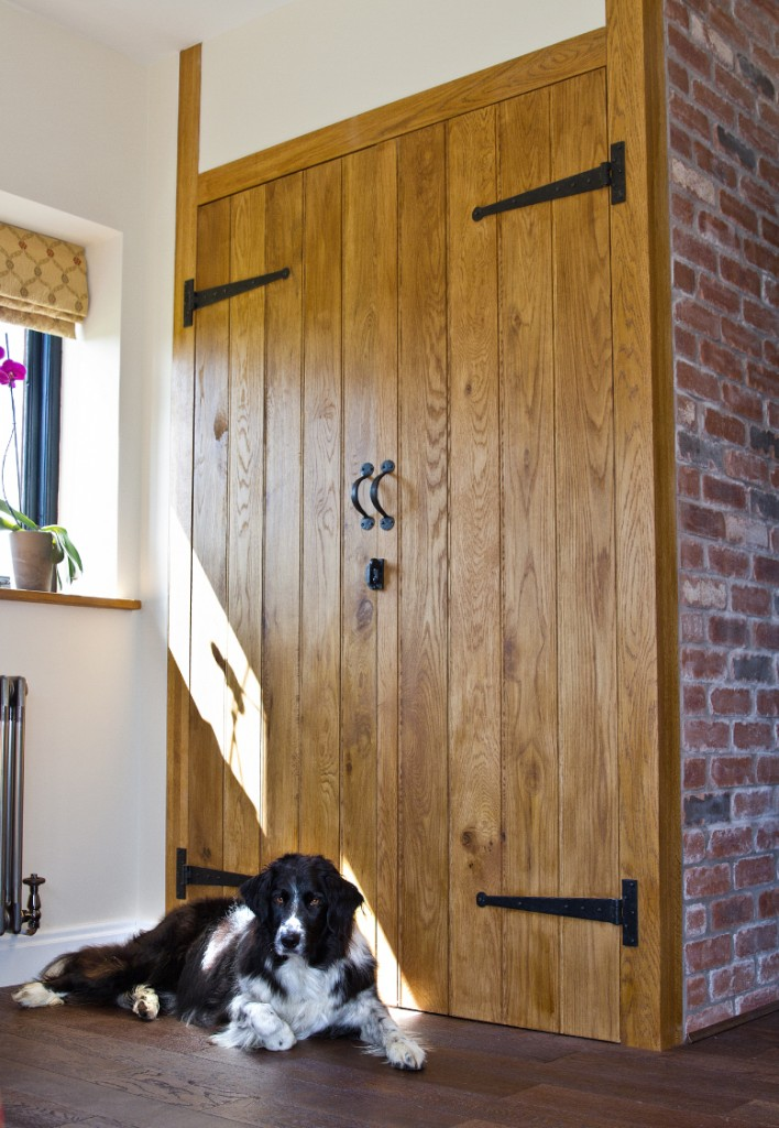 Ledge & Optional Braces Solid Oak Door